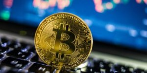 Bitcoin Price Rushes to $10,500 Before Falling to $9,000