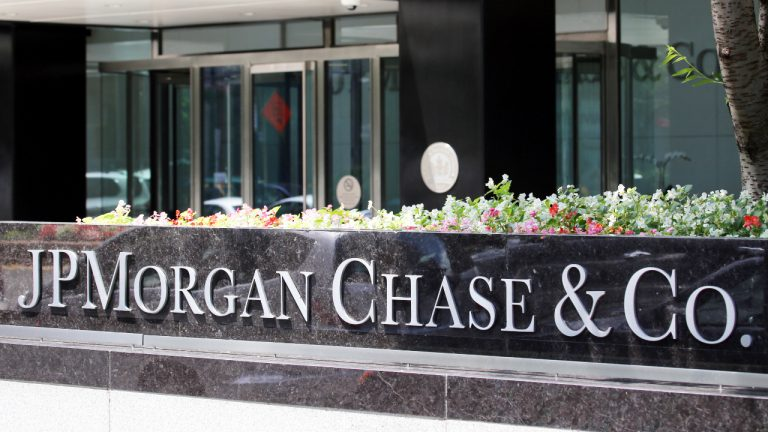 JPMorgan Chase Starts Accepting Bitcoin Businesses for Banking Services